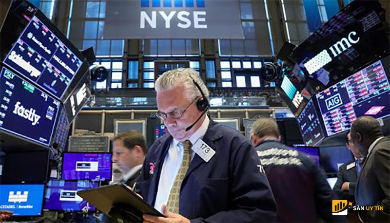 Tránh đầu tư cảm tính trên thị trường chứng khoán