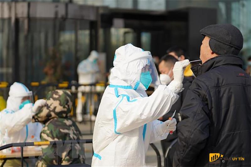 Ngành dịch vụ của Trung Quốc hục hồi chậm hơn từ đại dịch COVID-19 so với khu vực công nghiệp