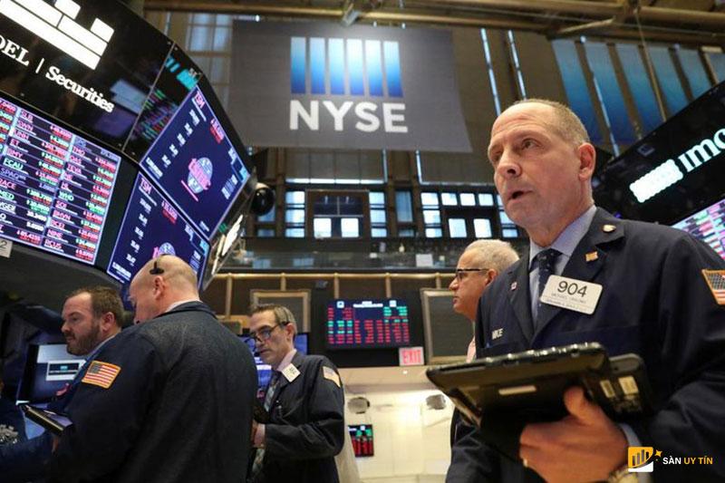 Giao dịch chứng khoán trên sàn NYSE