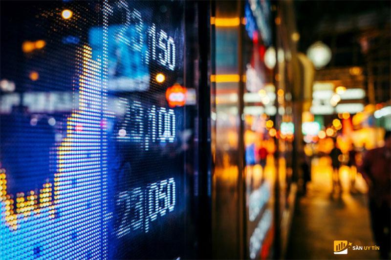 Thị trường chứng khoán trở nên nhộn nhịp nhờ gói cứu trợ 1,9 tỷ
