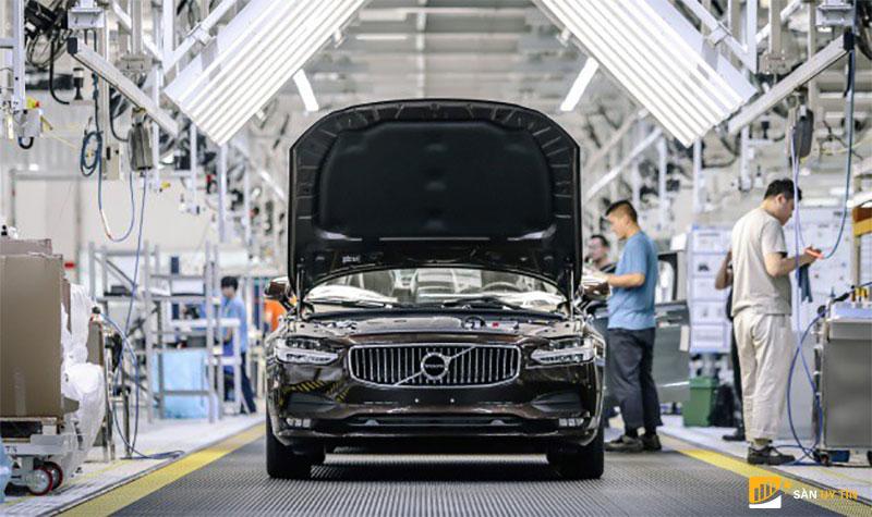 Xưởng sản xuất ôtô tại Trung Quốc