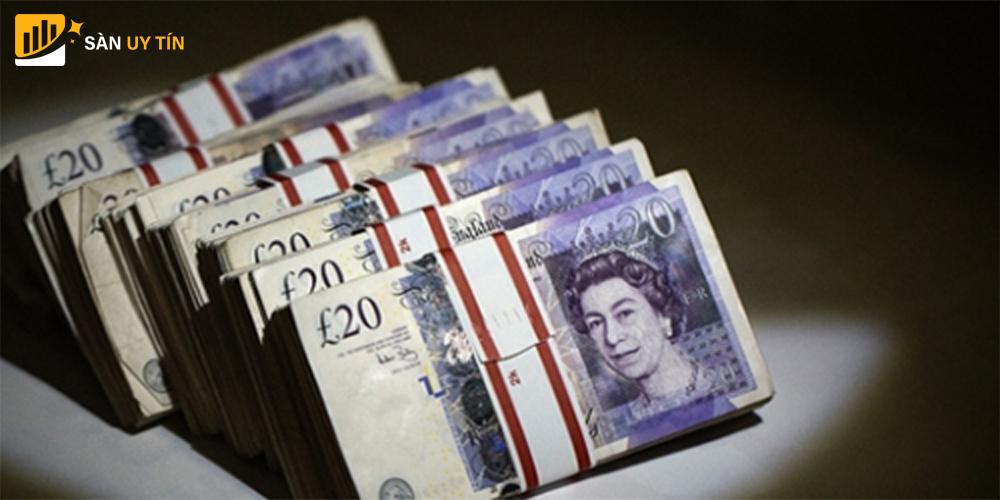 Khoản vay khu vực công của Vương Quốc Anh giảm