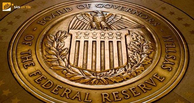 Sự khác biệt giữa FOMC và FED là gì?