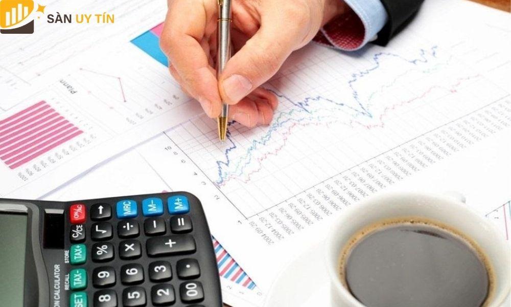 Nhà đầu tư cần hiểu rõ những loại chi phí và tài khoản Forex