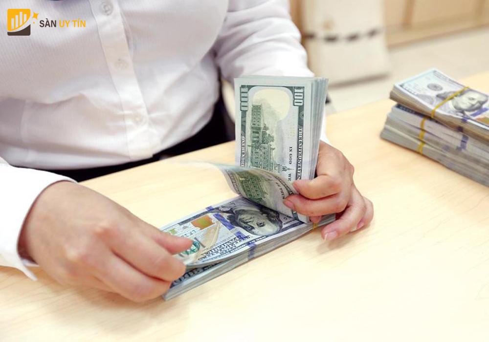 Bạn có nên kinh doanh tiền tệ hay không?