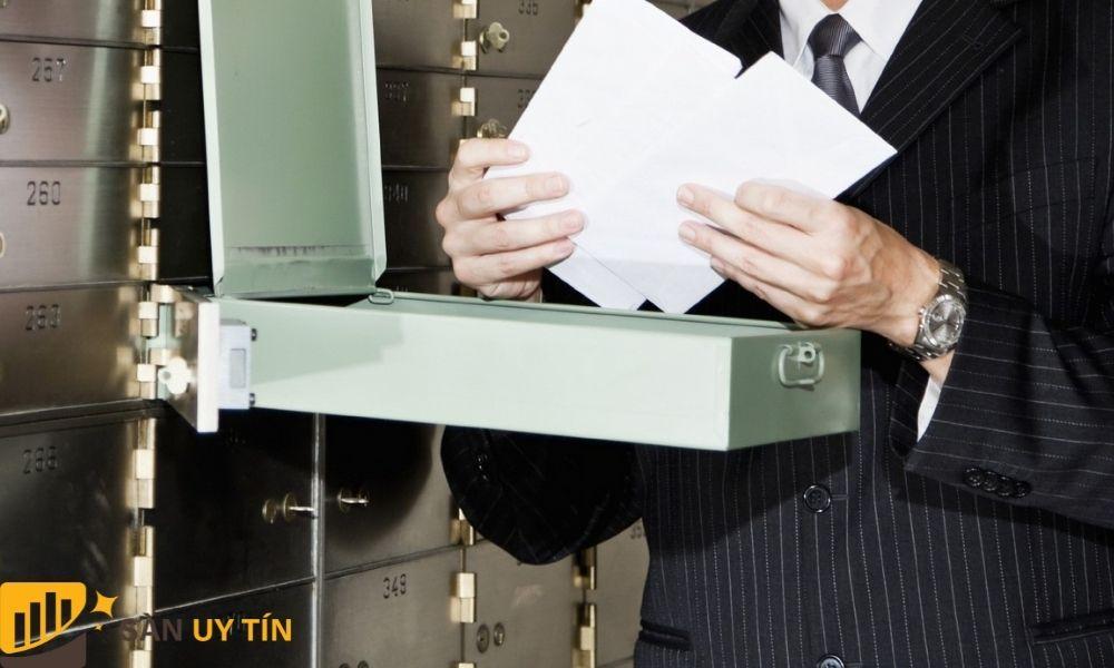 Chứng khoán được lưu trữ trong những két an toàn ngân hàng