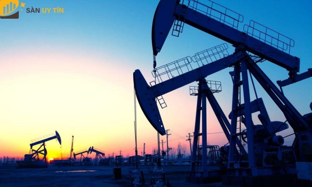 Cung cầu hai nhân tố gây ảnh hưởng mạnh đến sự biến động của dầu thô