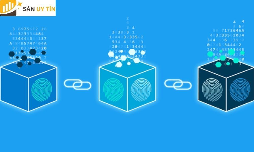 Mỗi nút có thể thực hiện nhóm các cuộc giao dịch lại với nhau tạo thành một khối