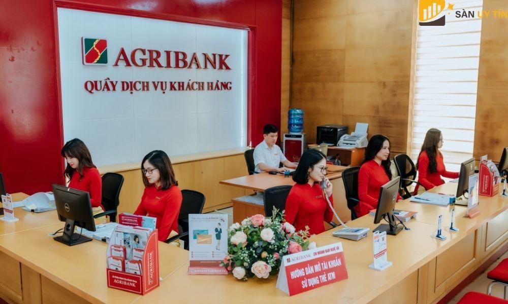 Ngân hàng Agribank lại là một ngân hàng có vốn đầu tư của nhà nước là 100%